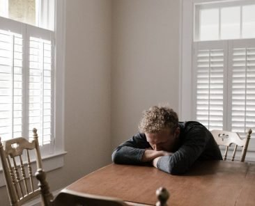 anksiyete nedir anksiyete bozukluğu anksiyete belirtileri anksiyete sebepleri anksiyete tedavisi